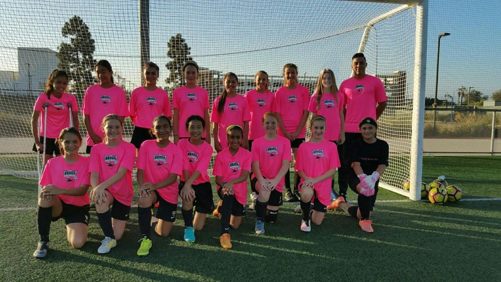 Beach FC G04 Pineda in pink!